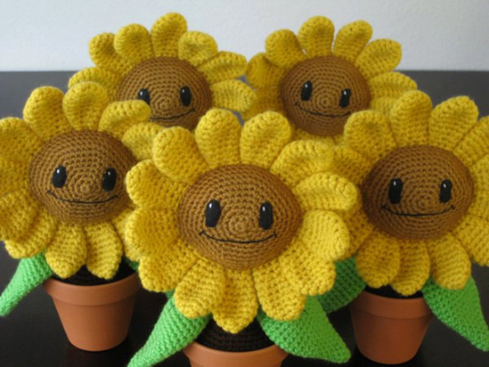 Amigurumi Flower Pattern Free : FREE PATTERN Amigurumi: Happy Sunflower Ink & Stitches