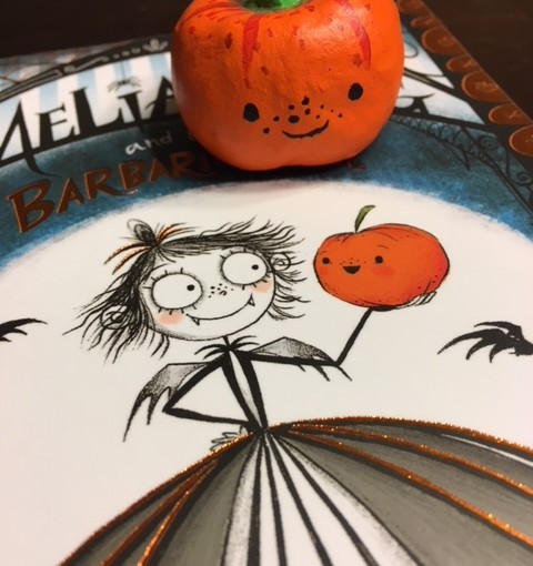 """Amelia Fang and the Barbaric Ball"" : DIY Squashy Pumpkin Craft"